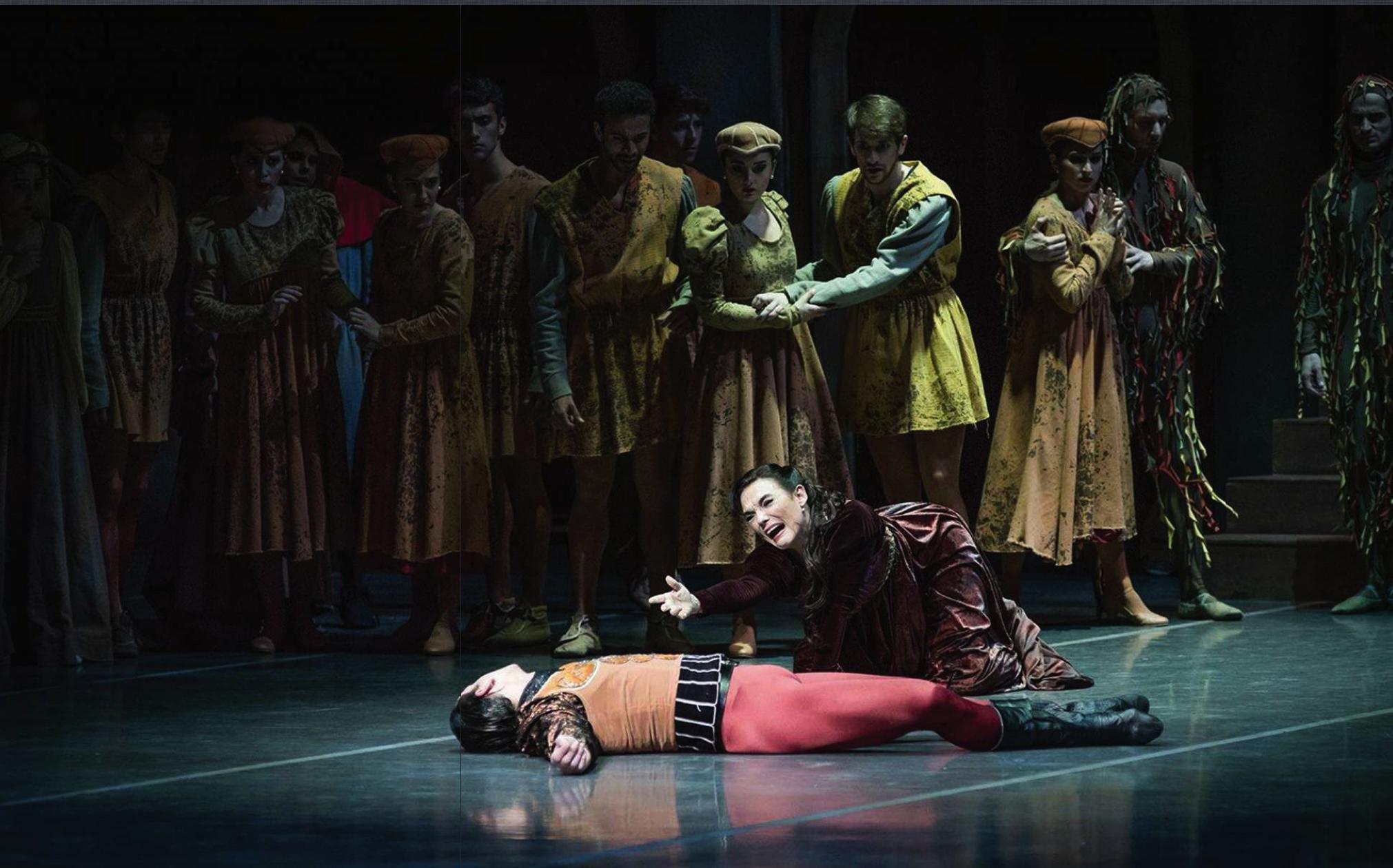 Lady Capuleto, en Romeo y Julieta, foto por Carlos Villamayor